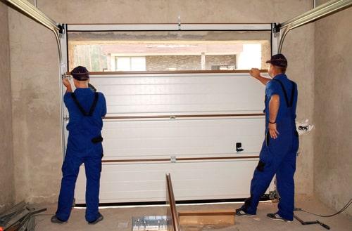 Ciepły montaż bram garażowych w nowych budynkach